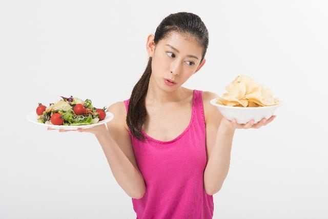 食べ過ぎ 過食 我慢