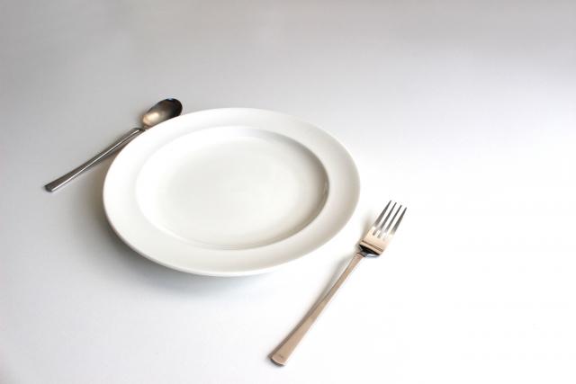 ご飯 食卓 夜