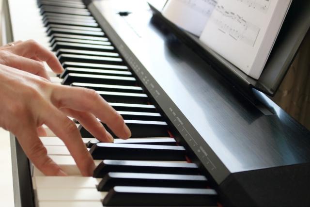 ピアノ 台所 料理 毎日 3日さぼれば元の木阿弥