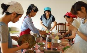 台所から自分革命スタートクラス 調理の様子