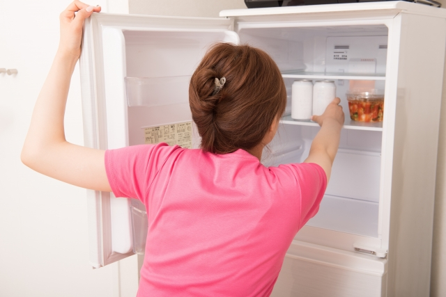 冷蔵庫 むやみに開ける 台所 徘徊 黄金の食事法