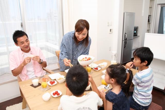 食卓 朝食 朝ご飯 変化 変わる 家族 笑顔